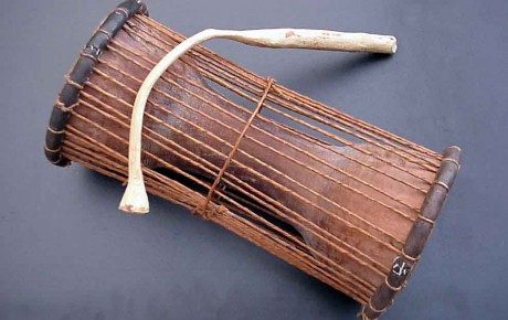 Tama, instrument de musique traditionnel